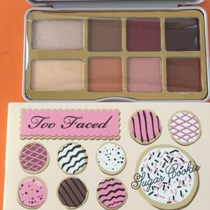 COPY - Too Faved Eye Shadow Palette